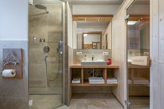 Kräutergarten Badezimmer mit Sauna